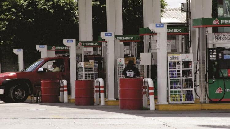 Aumenta precio de gasolina Magna y Premium; alcanza los 20 pesos