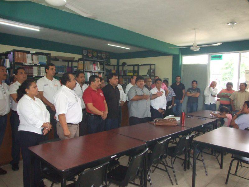 SNTE respalda lucha de docentes del CBTA por mejor tabulador