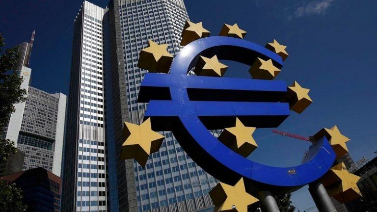 COVID-19 hunde economía de eurozona; PIB se contrae 3.8%
